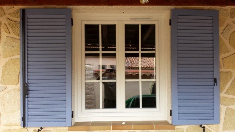 Fenêtres oscillo-battantes : tout ce que vous devez savoir