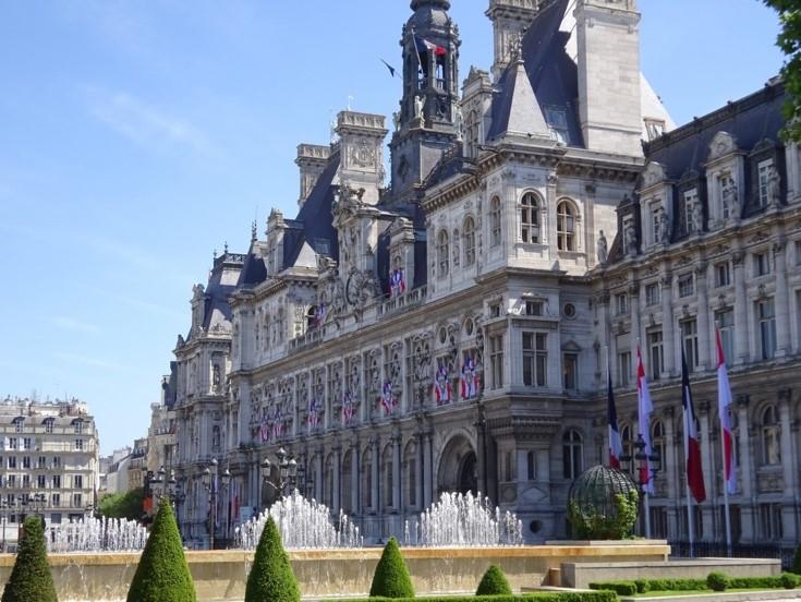 Formation, profil et rémunération : tout savoir sur le statut de Maire